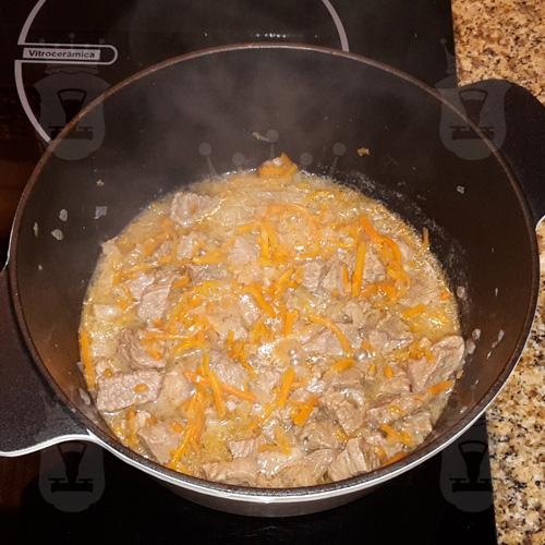 Картошечка, тушёная с мясом