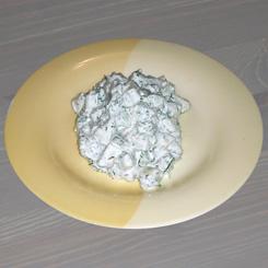 Салат огуречный с йогуртом