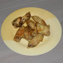 Куриные крылышки в пиве с карри