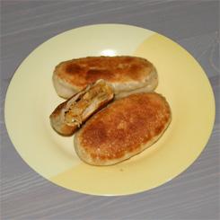 Жареные пирожки с тушёной капустой