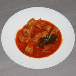 Мясо с подливой