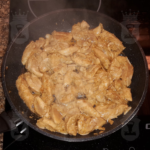 Куриное филе в соевом соусе с имбирём