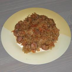 Тушёная капуста по-домашнему (солянка из капусты с сосисками)