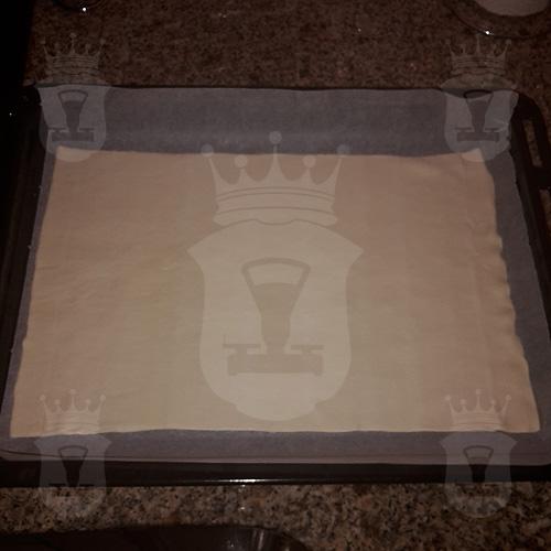 Капустный пирог из слоёного теста