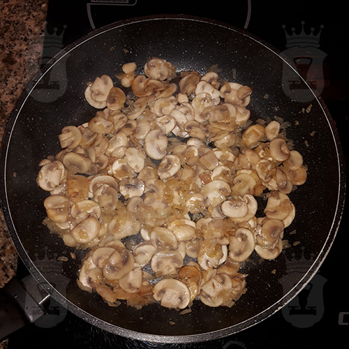 Итальянская паста с грибами в сливочном соусе