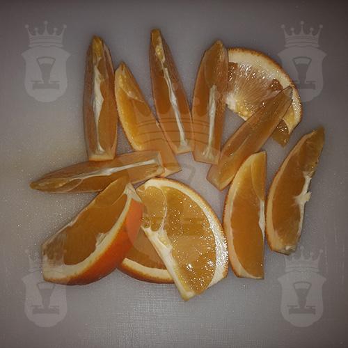 апельсины порезанные дольками