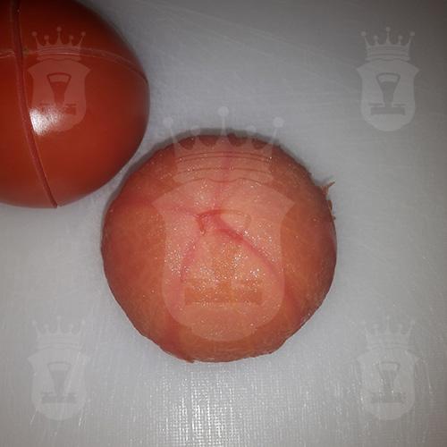 помидор очищенный