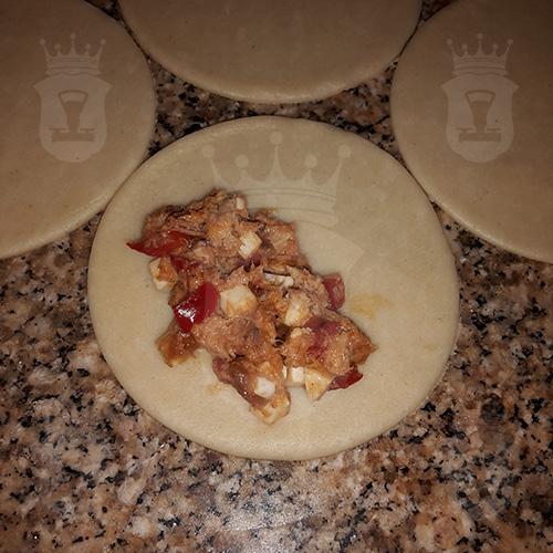 Пирожки с тунцом (empanadillas de atún