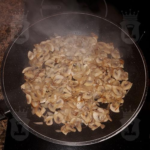 грибы с луком жареные