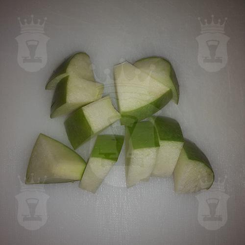 яблоко порезанное крупно
