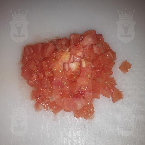 помидор очищенный порезанный