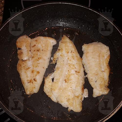 Неаполитанская паста с рыбой и зеленым горошком