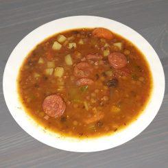 чечевичный суп с чоризо lentejas con chorizo