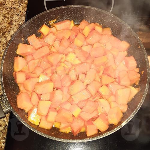Тушеное мясо с папайей