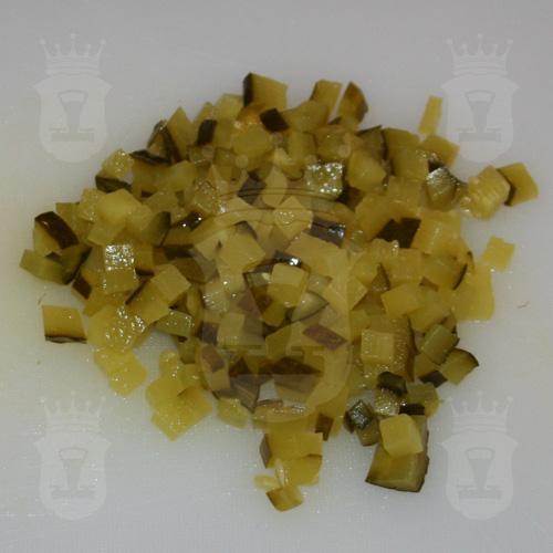 солёные или маринованные огурцы порезанные