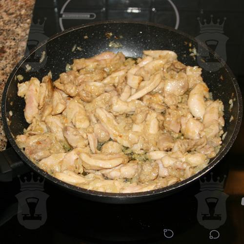 Куриное филе в сливочно-горчичном соусе
