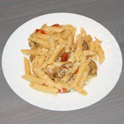Паста с овощами и сыром