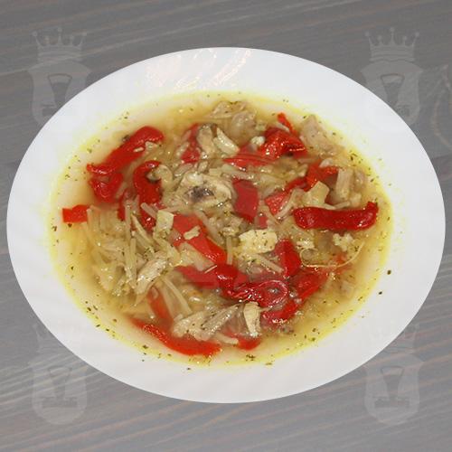 Куриный суп с консервированным перцем