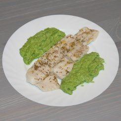 Рыбка, запечённая с лимоном, имбирем и розмарином