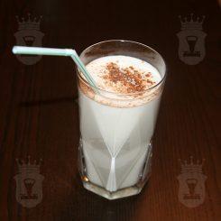 Коктейль молочно-яичный