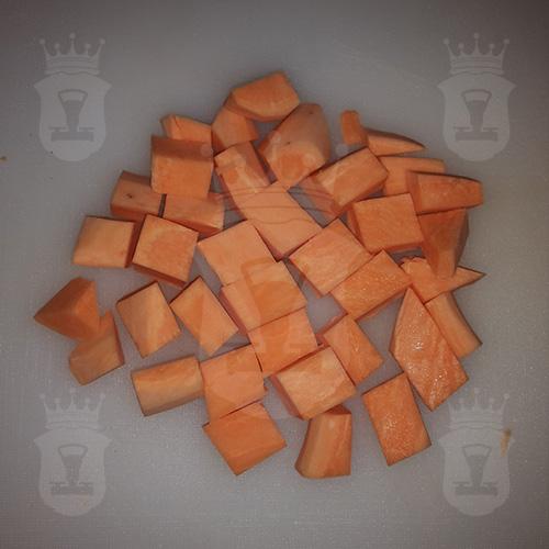 батат порезанный крупным кубиком