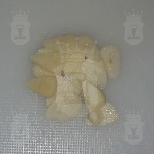 чеснок порезанный лепестками