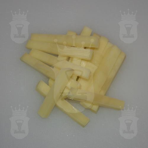 картофель порезанный соломкой