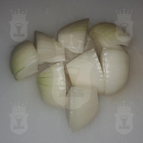 лук порезанный крупно