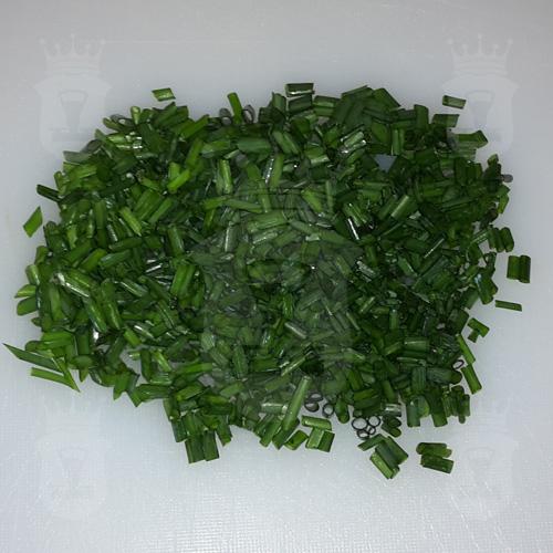 зелёный лук порезанный мелко