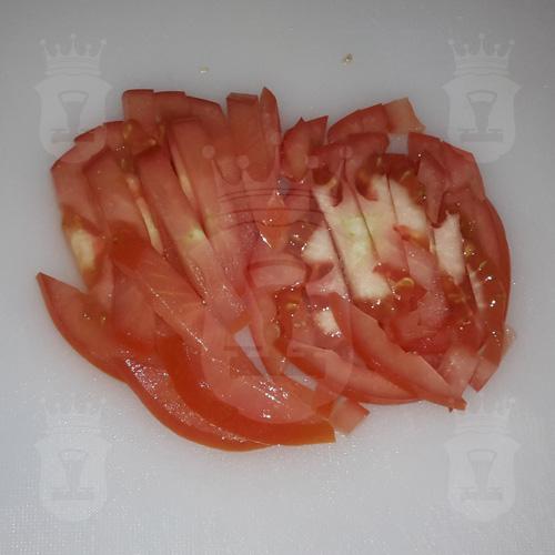 помидор нарезанный соломкой