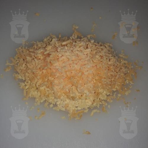 яичный желток натёртый на мелкой тёрке